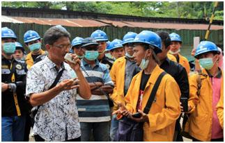 Kunjungan Industri mahasiswa Teknik Sipil D3 ke Asphalt Mixing Plant (AMP) PT. UHA Painan, tanggal 11 November 2017